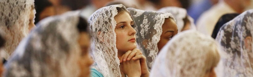 woman-veil-church
